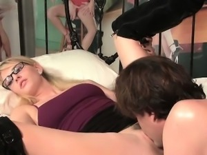 British couple cunnilingus then fucking her