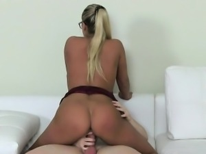 Female agent fucks amateur student guy on casting