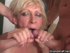 Mature blonde slut gets banged from both ends