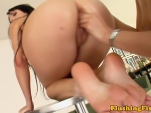 Lesbian beauty getting her pussy fisted
