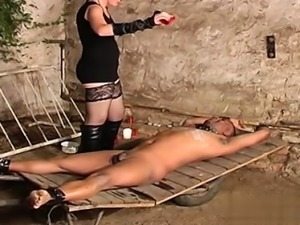 Horny girl awesome cumshot