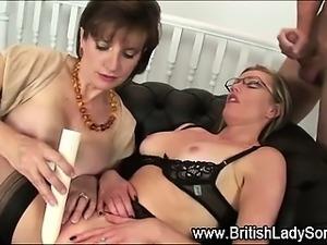 Spex british milf gets cumshot