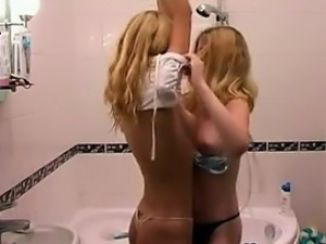 Amateur Blonde Teens Showering Together