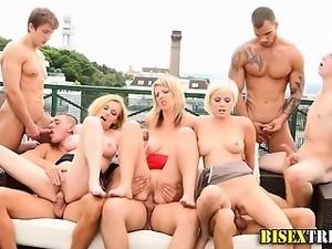Bisex babes get cumshots and facial