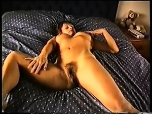 Yvonne\'s hairy pussy