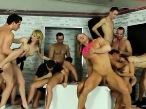 Bi hottie cums in orgy