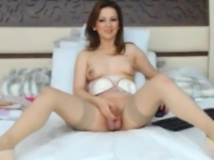 Gorgeous shemale babe playing her huge dick! Watch her