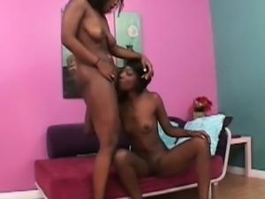 Lesbo ebony slut pussy licked in close-up
