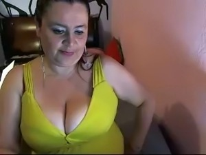 Disgusting fat Colombian whore...but yet somewhat fuckable.