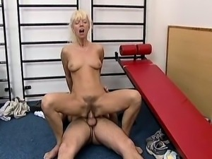 Horny blonde mature whore gets horny part1