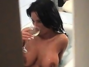 Horny MILF Masturbates In The Bath Tub