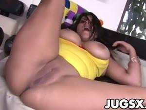 Huge Boobs Babe Juliana