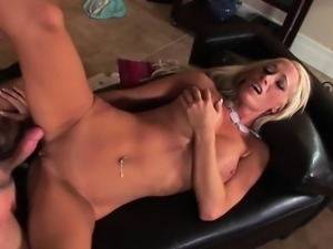 Hot pornstar ass eating