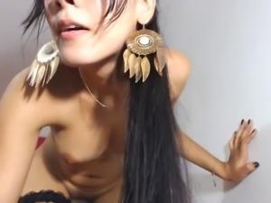 beautiful latin tranny  big ass Cam 4