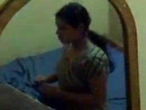 Desi aunty fucked with hubby Secretly Capture video