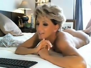 Stunning Mother Naked