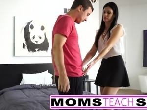 Teens first time squirting orgasm with step mother and son