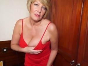 Gorgeous granny GILF needs a good fuck