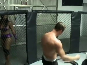 Bodacious black beauty has fun with a muscled white stud in the ring