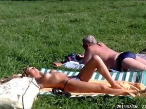 SpyCams Voyeur Public park Flash Girl