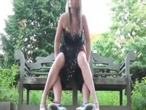 Amateur Quickie in the Garden outside a Wedding