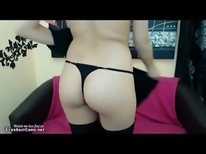 Amateur Hijab Muslim Arab Masturbates Her Arabic Pussy On Webcam