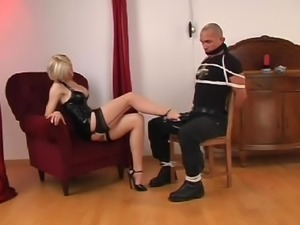 Beautiful girl sexy cleave gag on man 4r