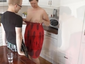 Just 18! Blowjob to the son of my girlfriend