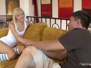 Emma Mae never had a creampie inside her pussy and she wants one now!