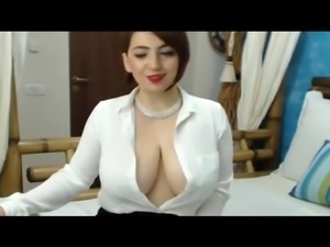 Girl with sexy uddies webcam show