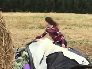 Dutch teenager rubs box