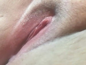 Wet cunt I'm so horny