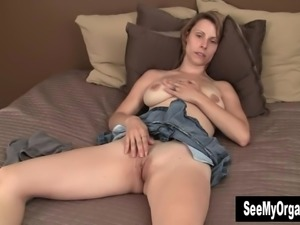 Sexy Harley Masturbating For Orgasm