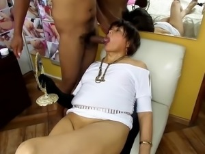 NICOLE VICIOUS OF THE ANAL SEX DECEIVES HIS HUSBAND