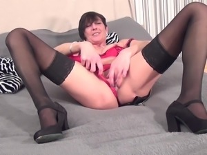Horny matured brunette cant get enough of massive toy