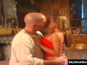 Gauge loves it when her bald lover puts it inside her butthole