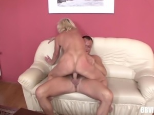 Mature granny would not want to die soon is this is how sex tastes !
