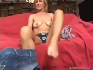 Good looking granny with a nicely shaped bum gets her pussy eaten out