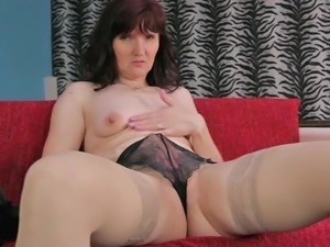 Nice ass mature diva stripteasing then fingering pussy