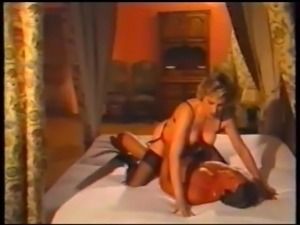 Horny Clair fisting and fucking