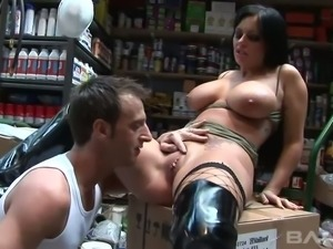 Sex hungry BF bangs his saucy black haired woman Kerry Louise at his...