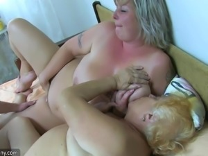 Two bbw old woman with guy masturbate their hairy pussy