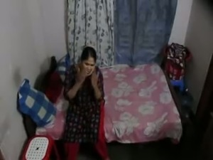 Rather modest Bangali wifey got nailed missionary style by her hubby