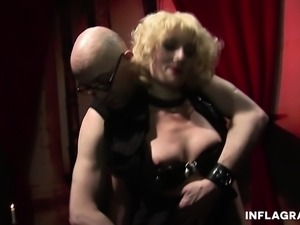 Kinky mature blonde Uma Masome loves masturbating