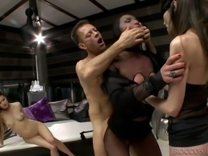 Spoiled small tittied hoe Nataly Gold takes part in hard core FFFM session