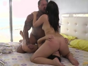 Bootyfull seductress Sara May joins her friend for a threesome