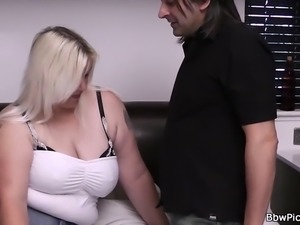 Sexy blonde bbw pick up