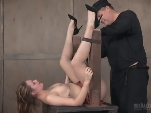Slave girl is happy to spread her legs for a couple of randy men