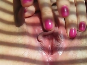Slutty Turkish GF fingering and rubbing wet pussy in amateur clip