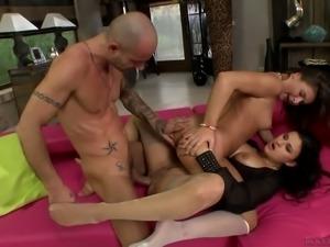 Raunchy bitch Billie Star fucks dirty in provocative threesome